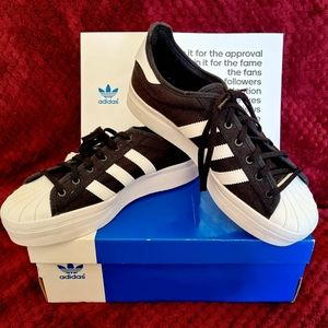 ADIDAS Superstar Rize in Black (Womens - Size 9)